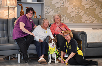 Residents welcome therapy dog